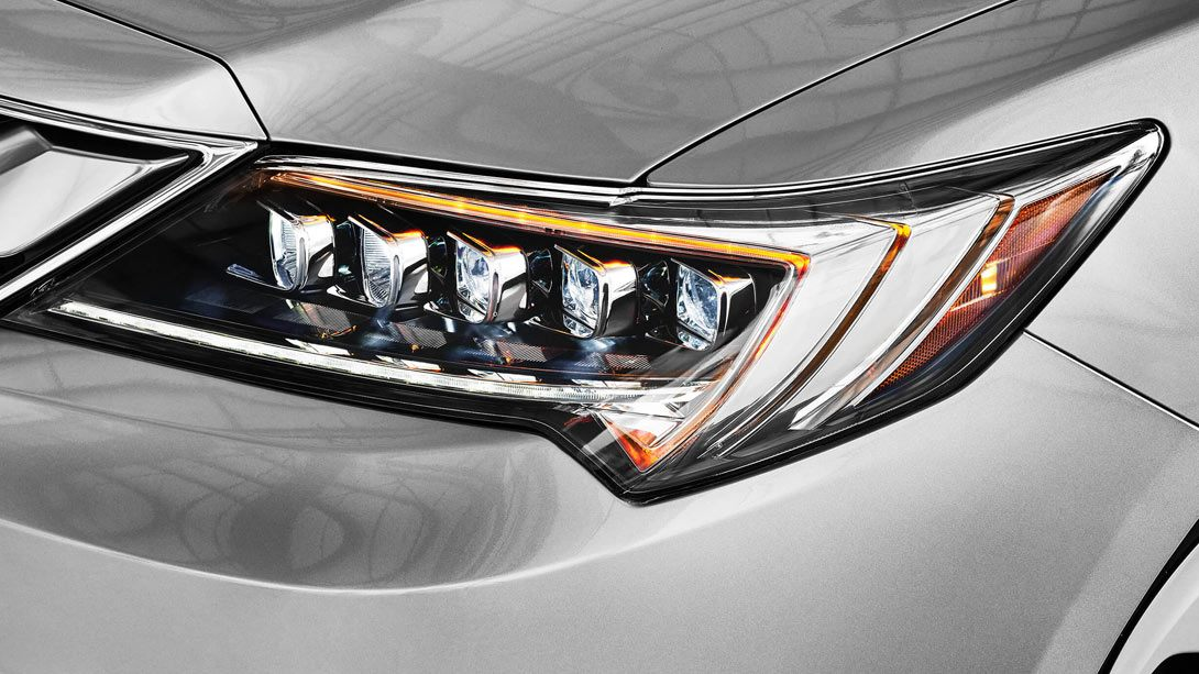 ILX-18-features-Jewel-Eye-LED-headlights